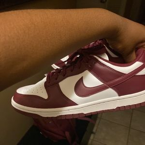 Nike dunk low beetroot size 9.5W/8M